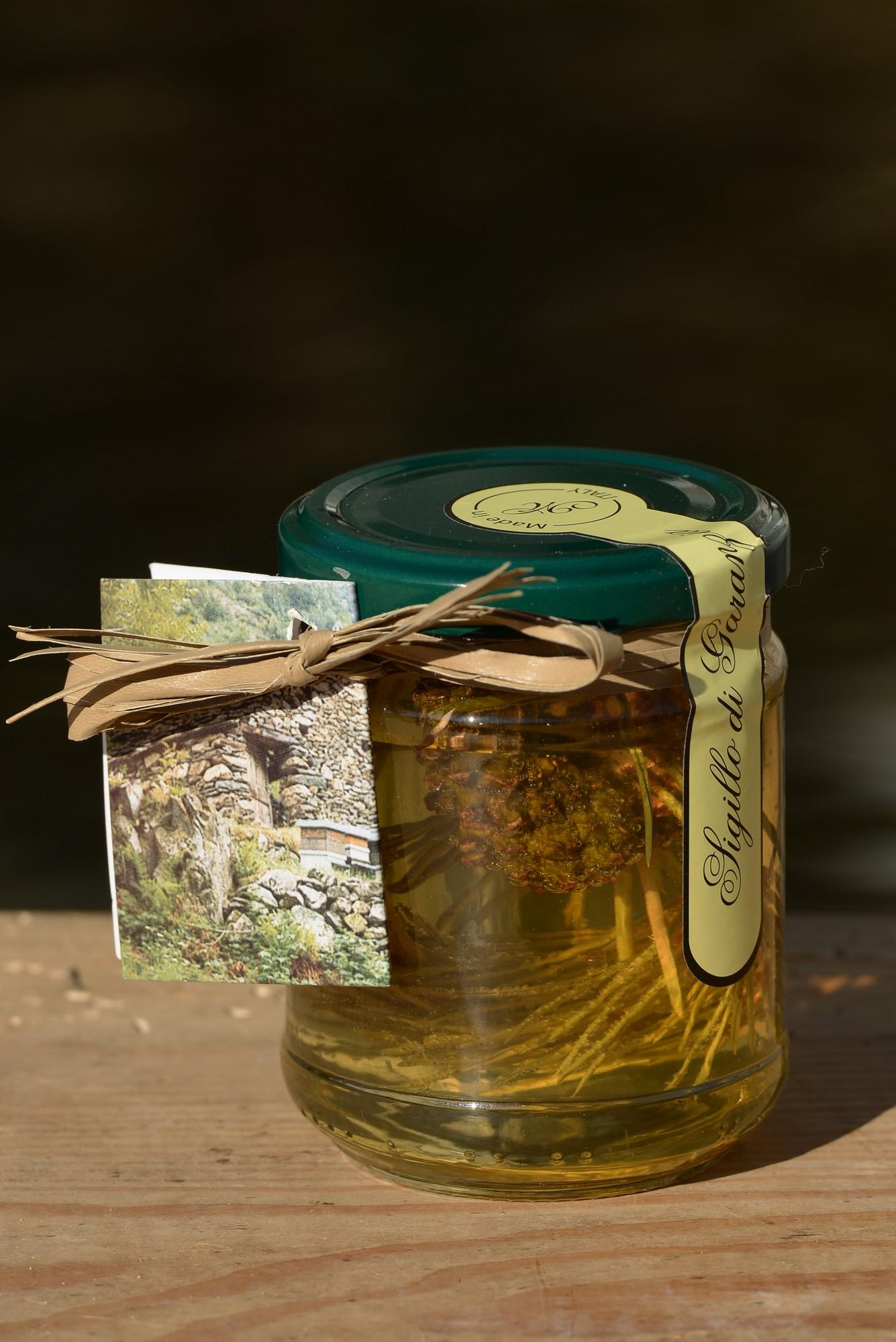 miele di acacia con gemma di pino